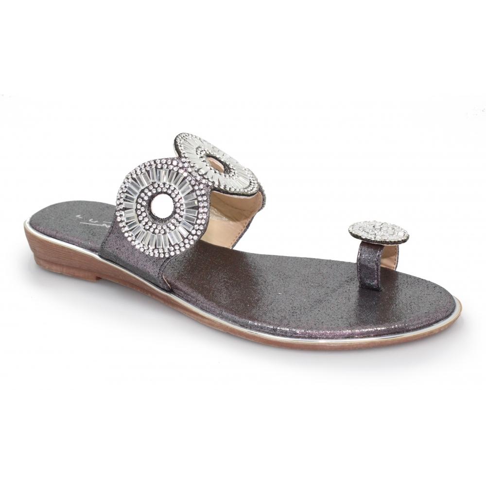 Lunar Elmira Toe Loop Sandal | Ladies