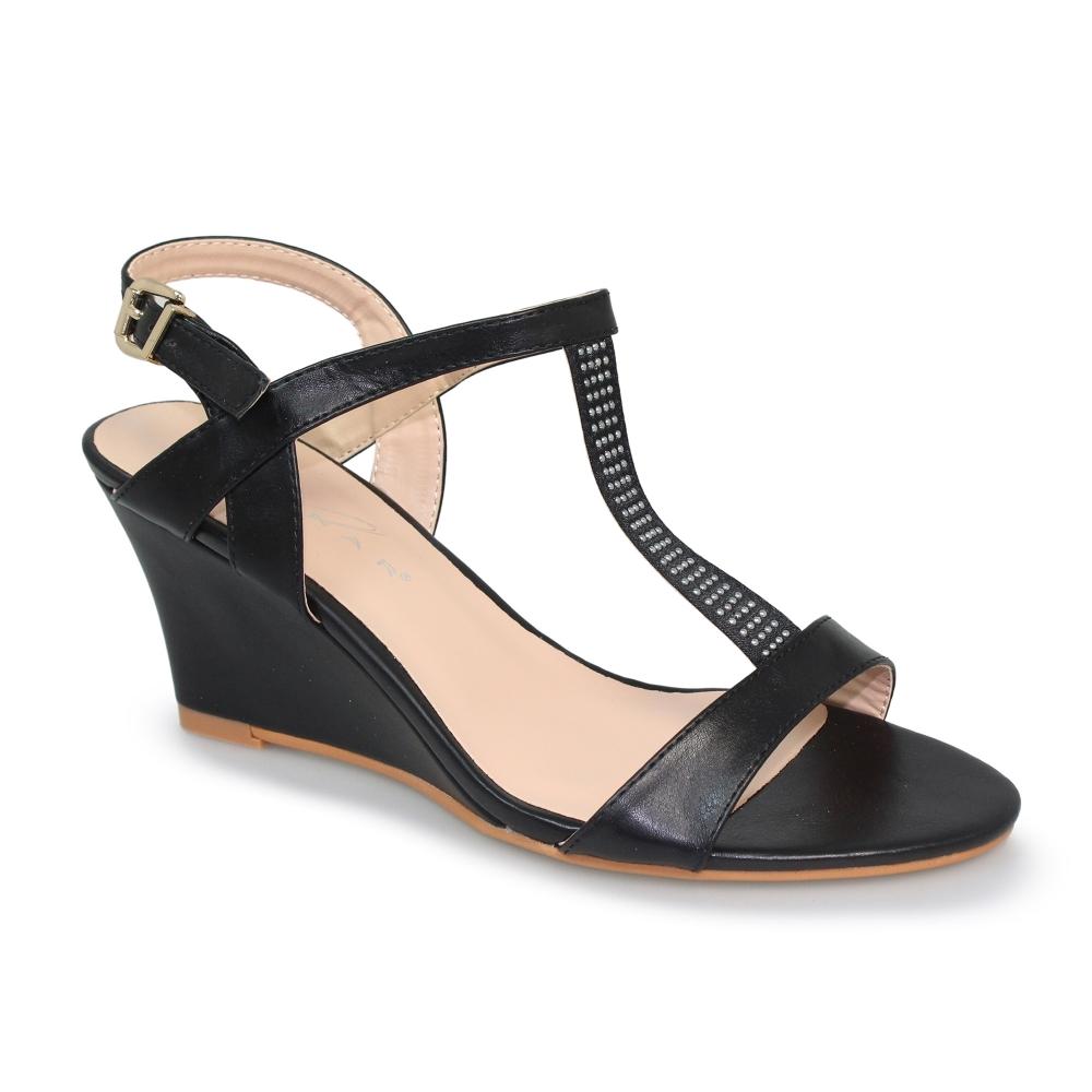 Lunar Shoes | Lacy Wedge Sandal